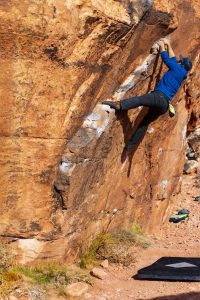 Nik Benko, bouldering in the desert.